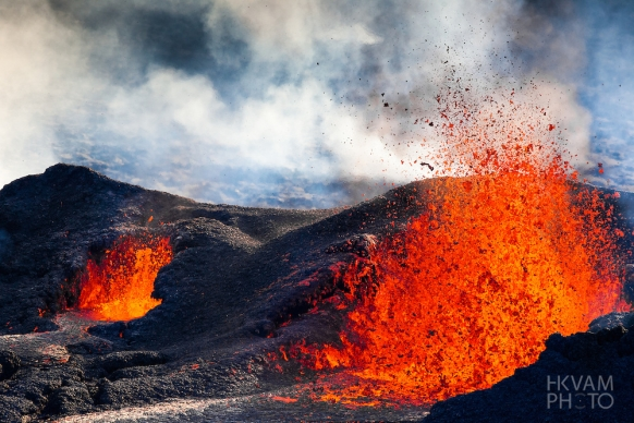 volcanoes essays Free essay: the pyroclastic flows are clouds of ash, stones etc that move down the side of volcanoes and carry any debris in its way a famous pyroclastic.