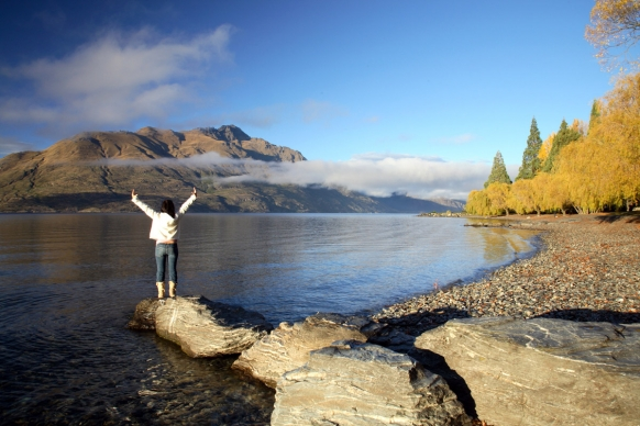 http://images.gapyear.com/images/made/images/content/13.07.01-mjs-ft-working-holiday-visas-to-new-zealand-at-five-year-high_1261369_582_388.jpg